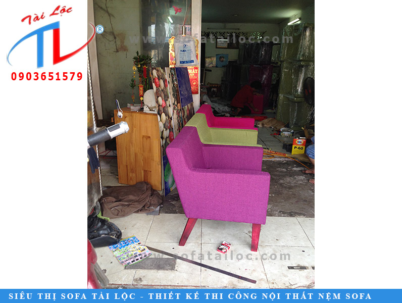 dong-ghe-sofa-cafe-nguyen-anh-thu