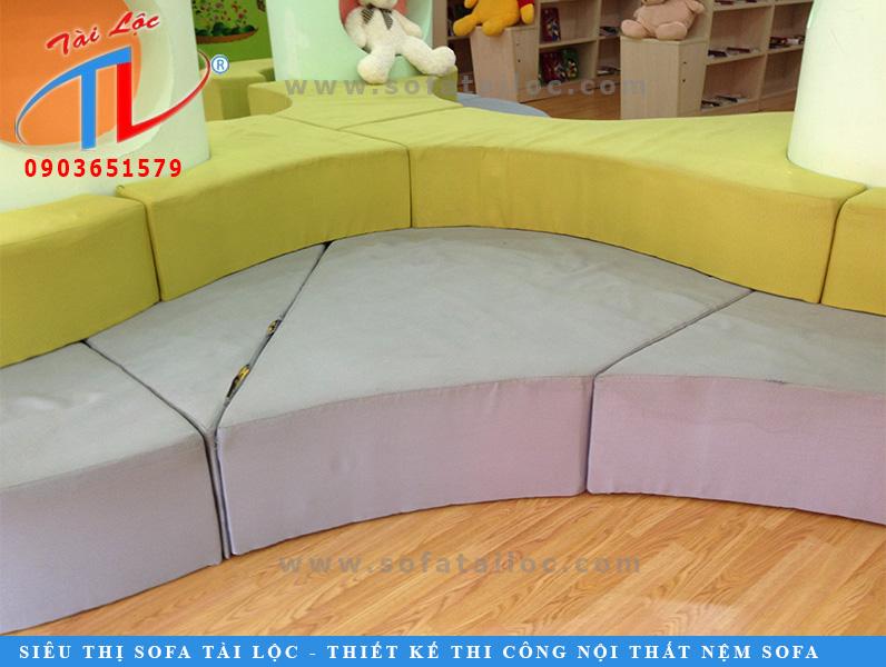 sofa-om-tru-cu-viet-uc-3-2-mau-4