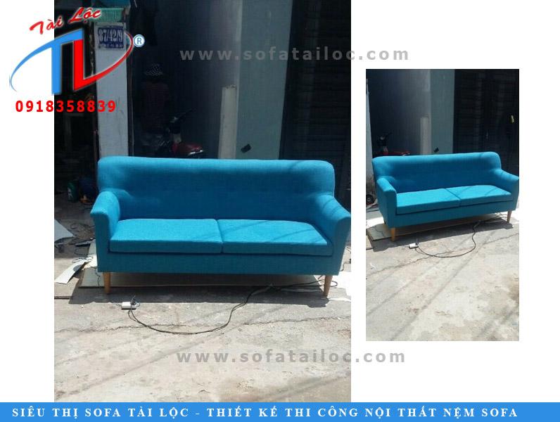 Mẫu sofa băng giá rẻ với kích thước nhỏ màu xanh nhạt xinh xắn