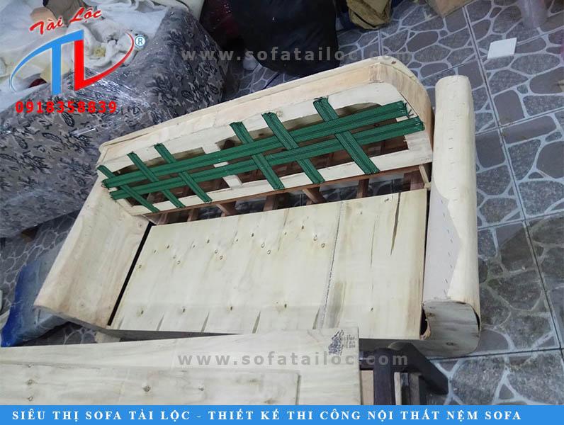 dong-khung-ghe-sofa-cty-mekong-quan-1