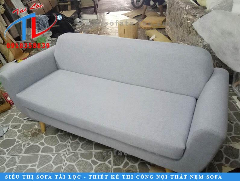 dong-moi-ghe-sofa-van-phong-mekong-quan-1