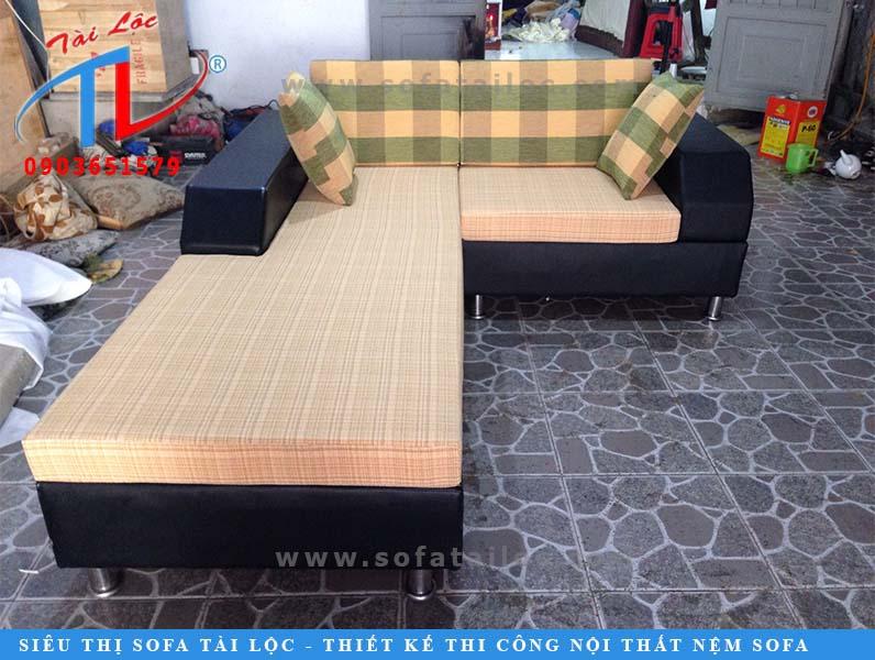 sofa-phong-khach-na-thong-nhat-sau-khi-dong