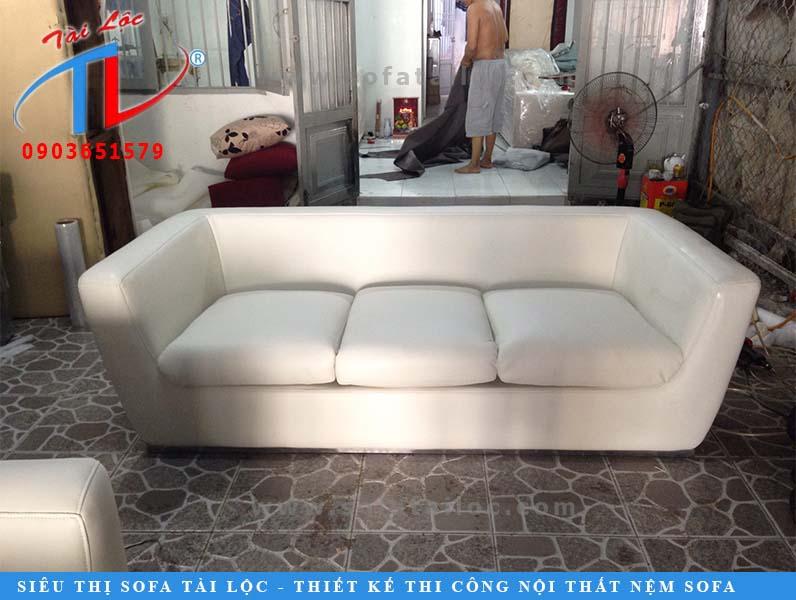 sofa-dai-3-bang-sau-khi-boc-144ltk