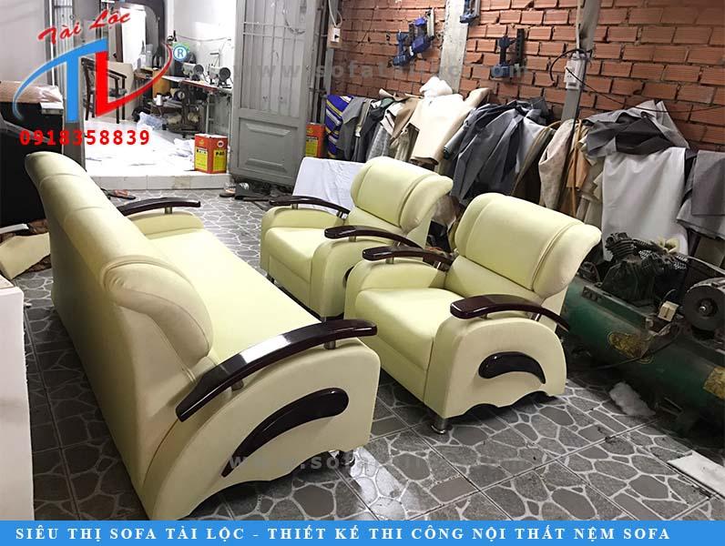 sofa-phong-khach-tan-hoa-boc-moi