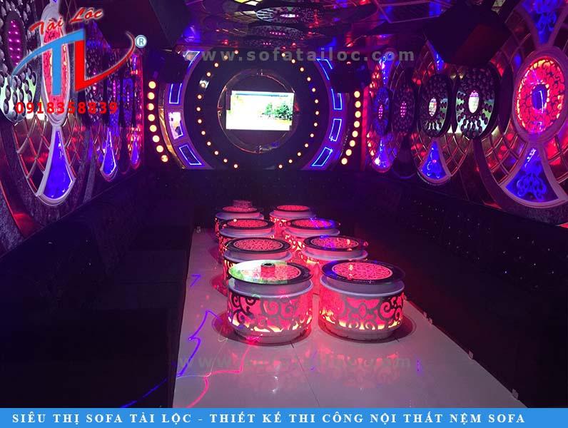 dong-ghe-karaoke-nhok-lan