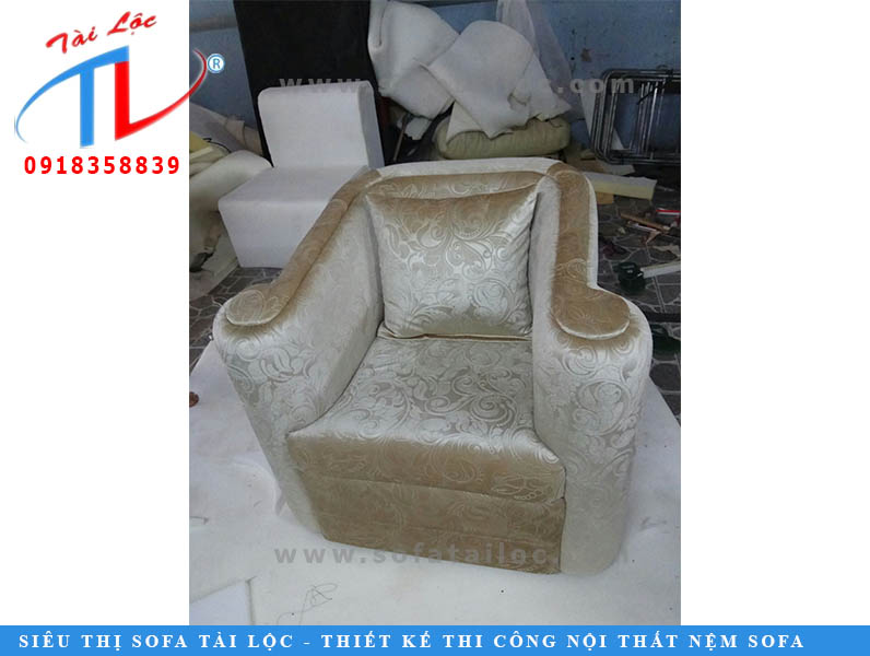 dong-moi-sofa-co-dien-sang-trong-chi-phuong-quan-7