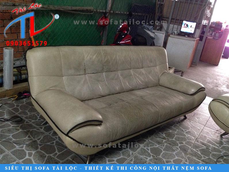 Bọc ghế sofa bao nhiêu tiền luôn là vấn đề mà rất nhiều khách hàng quan tâm. Nhằm mang đến quá trình báo giá tốt nhất Tài Lộc khuyến khích khách hàng gửi địa chỉ cụ thể để có thể đưa ra mức giá tốt nhất.