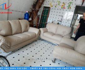 Bọc lại ghế sofa tại nhà giá rẻ đang là dịch vụ hot được rất nhiều khách hàng lựa chọn. Giúp không gian sống của bạn thêm hoàn hảo.
