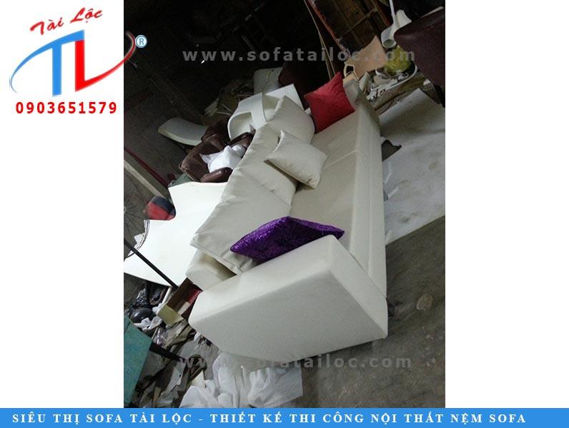 Bọc ghế sofa giá rẻ là hạng mục uy tín của Tài Lộc được đông đảo khách hàng tin tưởng và lựa chọn.