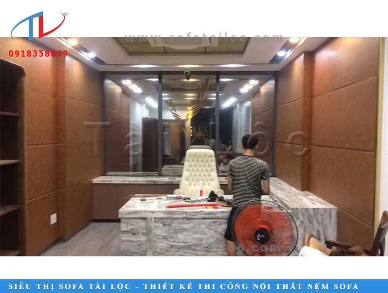 Thi công ốp vách phòng khách công ty Nguyễn Tân quận 3 TPHCM