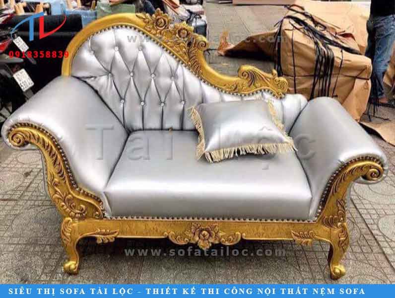 sofa-vang-co-dien-phong-khach-1506