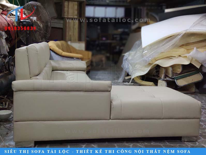 Quy trình sản xuất sofa của Tài Lộc luôn được kiểm tra thường xuyên.