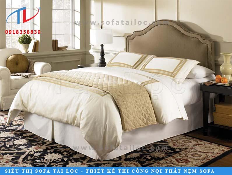 Nệm đầu giường đẹp màu kem mang lại cảm giác ấm cúng và thư thái cho người sử dụng