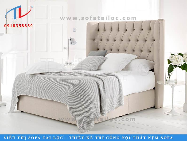 Các tấm đệm đầu giường cao cấp sẽ nâng tầm lên nhỏ sự bo nhẹ vào trong thành giường, điều này giống như tạo nên một không gian hoàng gia mà bạn chính là ông hoàng, bà hoàng trong không gian đó.