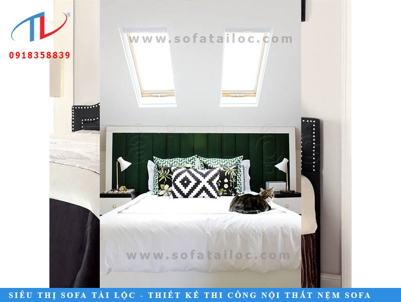 Những mẫu đệm đầu giường màu xanh lá giúp không gian khác lạ, tươi mới và cũng rất nổi bậc. Có thể để sử dụng để làm điểm nhấn cho không gian quá nhiều sắc trắng.