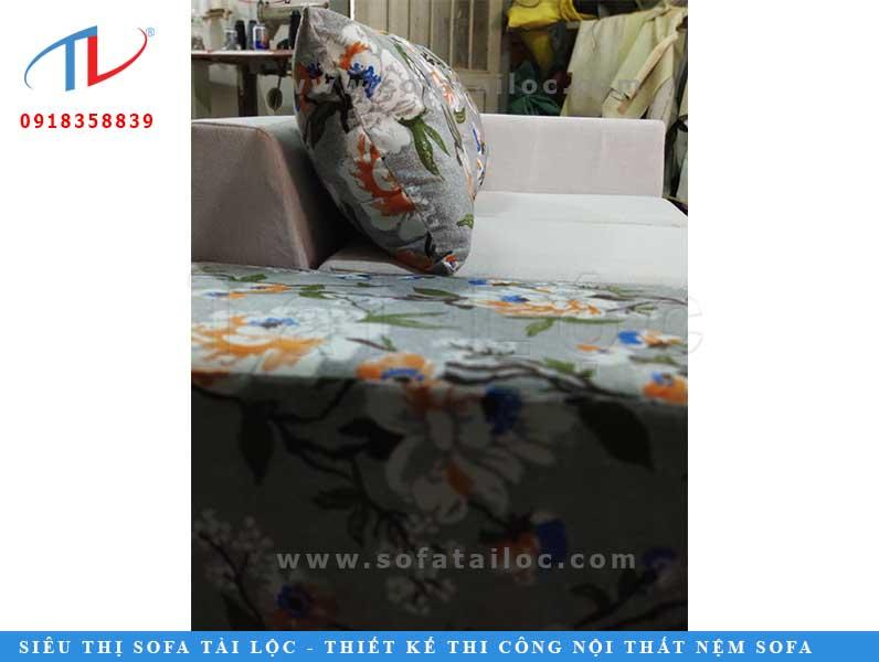 nhan-dong-ghe-sofa-tron-bo-quan-11-chi-ty