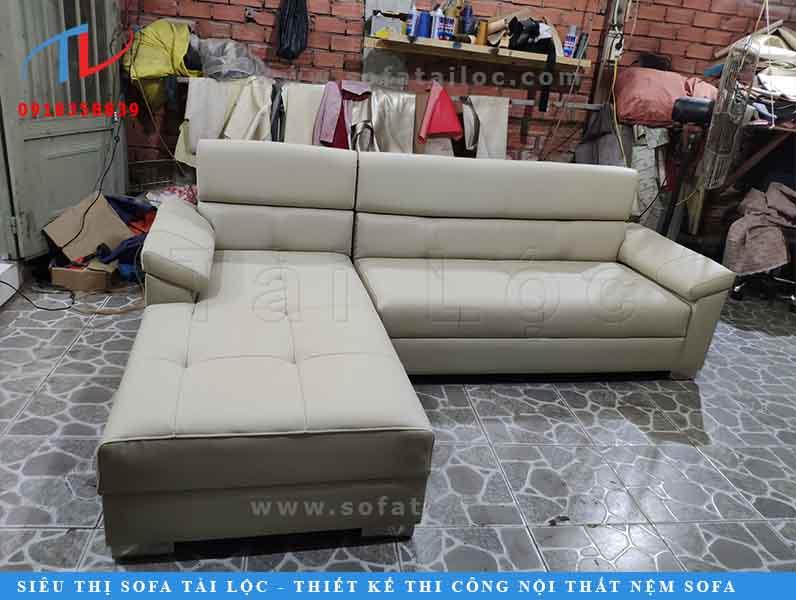 sofa-phong-khach-chi-thuy-sau-khi-boc