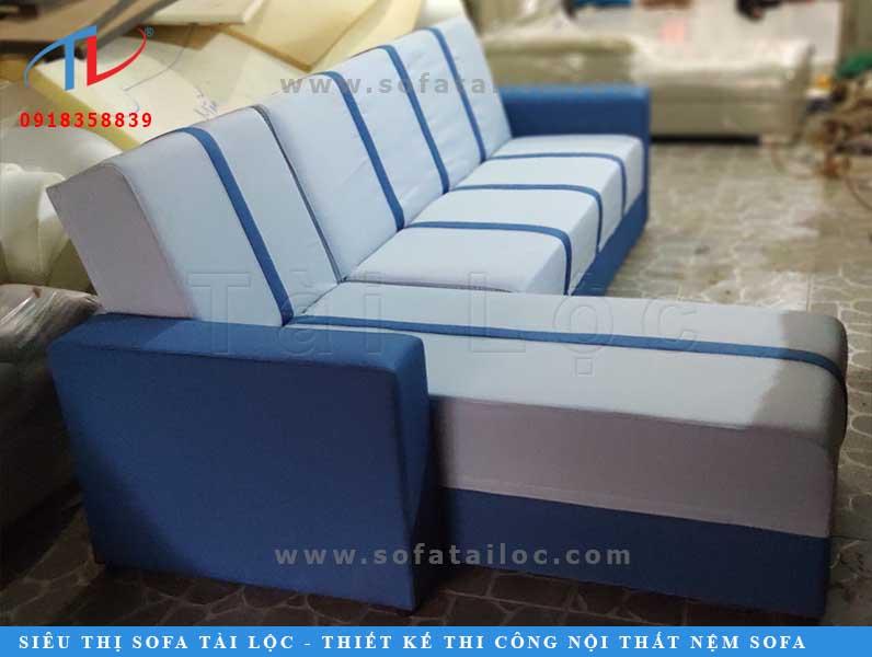 Bộ ghế của khách hàng thân thiết của Tài Lộc khi được sửa chữa tại xưởng bọc ghế sofa của công ty. Địa chỉ xưởng: 195 Trần Bá Giao, P5 quận Gò Vấp.