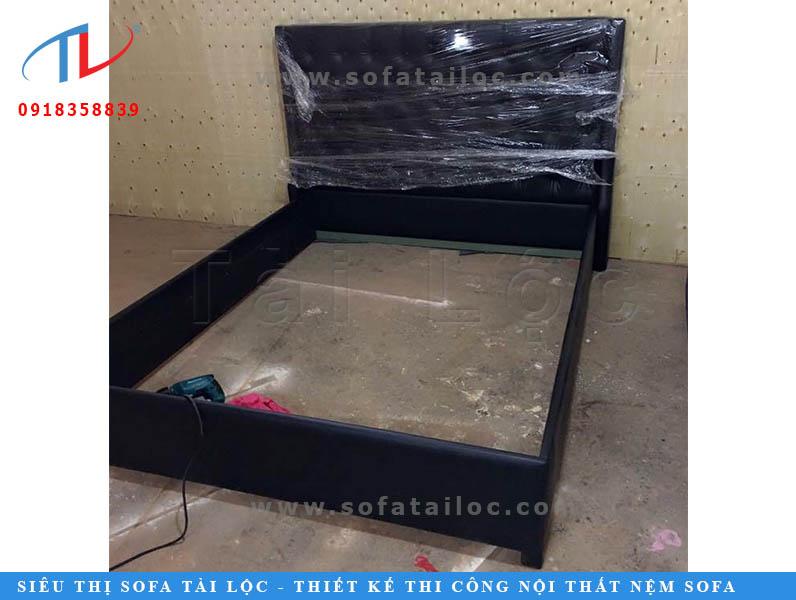 Bọc nệm đầu giường hcm của Tài Lộc luôn được khách hàng tại TPHCM vô cùng yêu thích bởi với sự chỉn chu và có trách nhiệm. Công ty đã tân trang nhiều chiếc giường ngủ bọc nệm đầu giường vô cùng đẹp, thậm chí là đẹp và đặc biệt hơn cả khi mua mới.