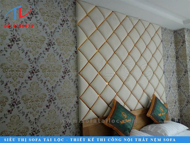 Tấm ốp tường giả da đem đến không gian sành điệu và sang chảnh cho phòng khách, phòng ăn và phòng ngủ của gia đình