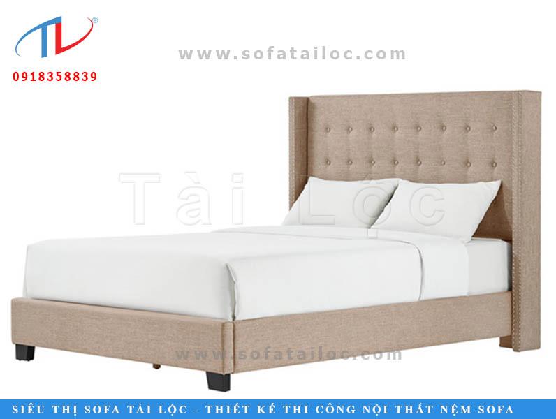Tông màu be được sử dụng rất nhiều trong các thiết kế và khi đặt đóng giường bọc nệm. Ưu điểm trên hết là che được các vết bẩn và mang lại cảm giác ấm cúng cho không gian phòng