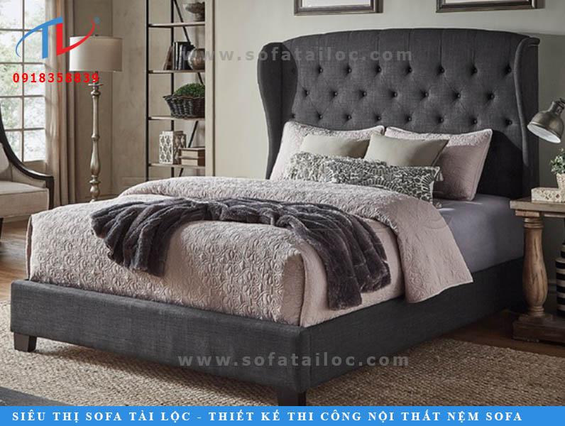 Với màu xám đen hay xám tro, những chiếc giường dù có bị vấy bẩn sẽ cực kỳ khó thấy. Tạo nên cảm giác không gian luôn sạch. Là lựa chọn của hầu hết khách hàng ngày nay.