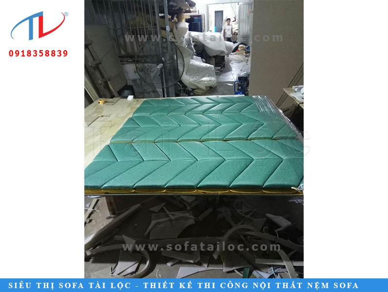 Sản xuất vách đầu giường tại xưởng