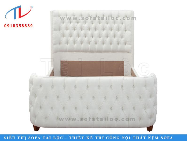 Với phần khung nệm được bo góc tinh tế phối cùng kỹ thuật rút nút chuyên nghiệp tạo nên chiếc giường ngủ bọc nệm vô cùng sang chảnh và quyến rũ.
