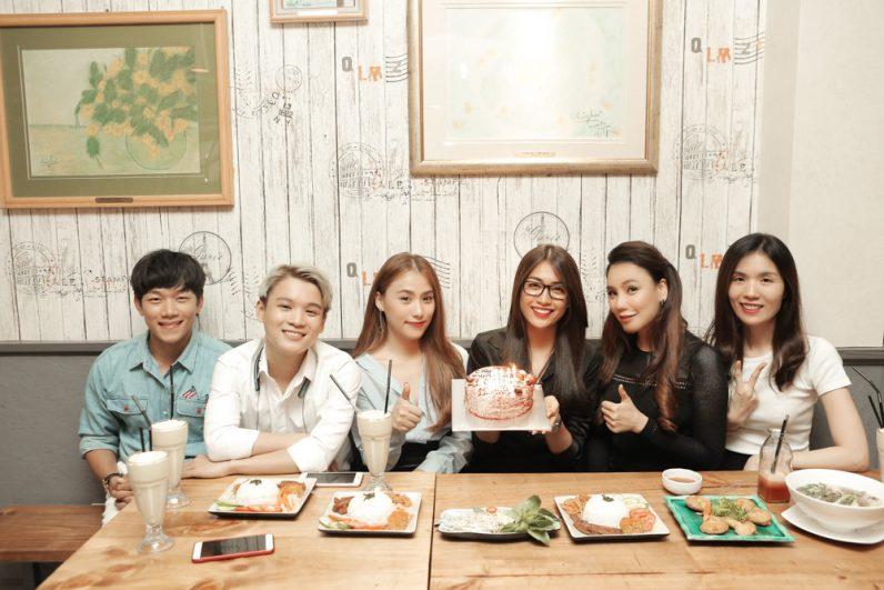 Lệ Hằng đón sinh nhật tại nhà hàng chay Vegan Kitchen cùng Hồ Quỳnh Hương.