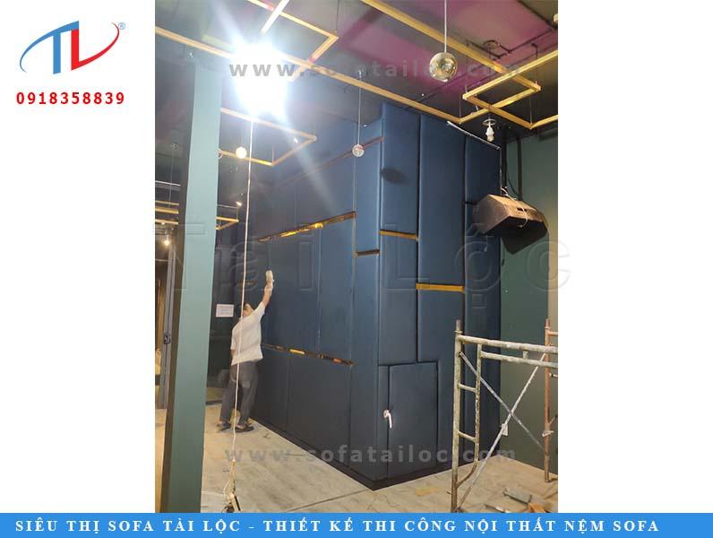 Ban đầu, công ty chỉ toàn làm việc với anh quản lý nên không hề biết rằng đây là nhà hàng của chị Hồ Quỳnh Hương. Công ty vẫn chỉ cố gắng làm cho tốt hạng mục của mình để bàn giao cho khách hàng cho kịp thời hạn khai trương.