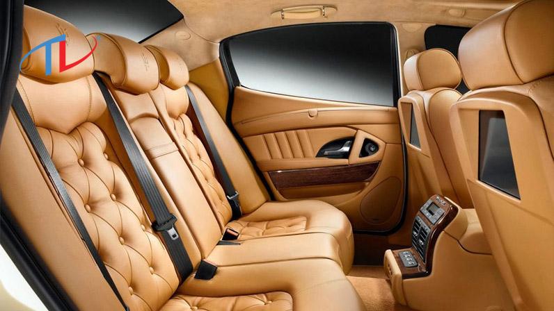 Bọc nệm ghế xe hơi da thật có nhiều ưu điểm nhưng giá thành khá đắt so với các loại chất liệu khác