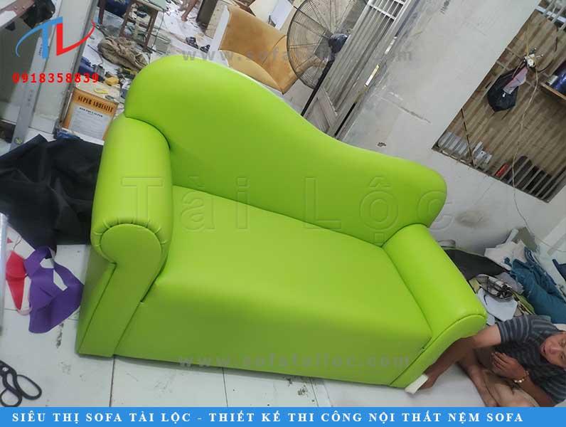 Dịch vụ đóng ghế sofa giá rẻ tại Tài Lộc luôn làm vừa lòng được phần đông khách hàng trên toàn quốc