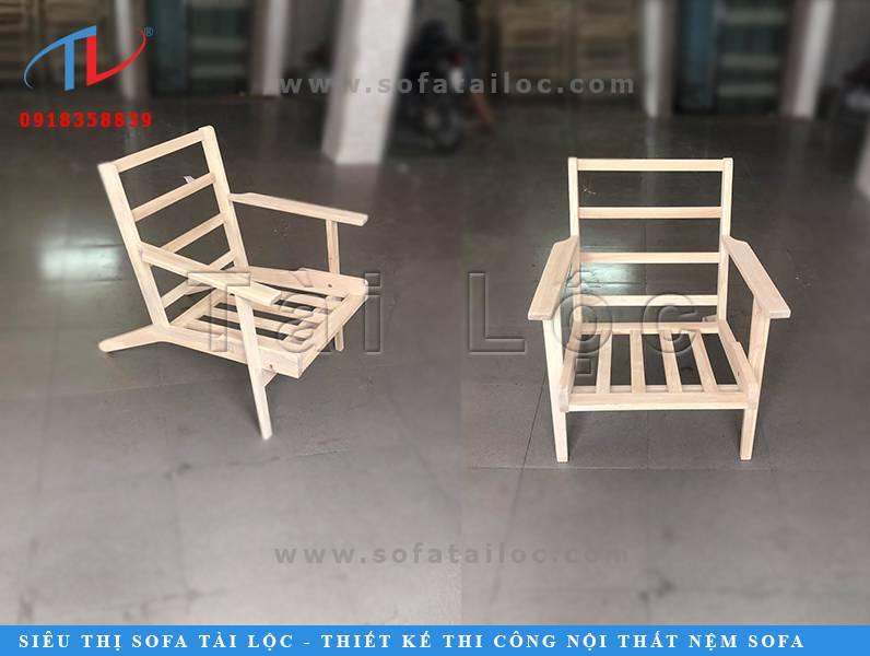 Sản xuất bàn ghế gỗ cafe với nhiều mẫu mã nhỏ gọn, đơn giản. Đối với mẫu ghế này khách thường đặt thêm tấm lót nệm để êm ái và hiện đại hơn.