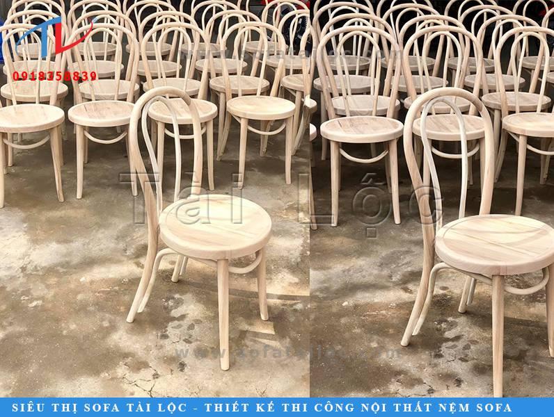 Ngoài việc trực tiếp sản xuất ghế cà phê, Tài Lộc còn có thế mạnh là trực tiếp nhập khẩu nội thất nên mẫu mã đa dạng và giá thành cực kỳ cạnh tranh.