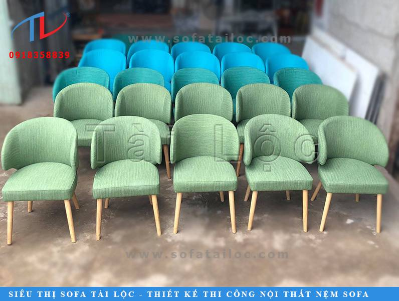 Với 3 xưởng chuyên đóng bàn ghế sofa cafe giá rẻ chuyên nghiệp. Tài Lộc sẽ mang đến những mẫu bàn ghế sofa cafe với thiết kế phù hợp cho từng nhu cầu của khách hàng.