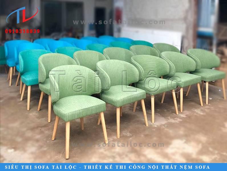 Tài Lộc là xưởng đóng bàn ghế cafe giá rẻ và có thể thiết kế và thi công nội thất trọn gói giá cực kỳ cạnh tranh.
