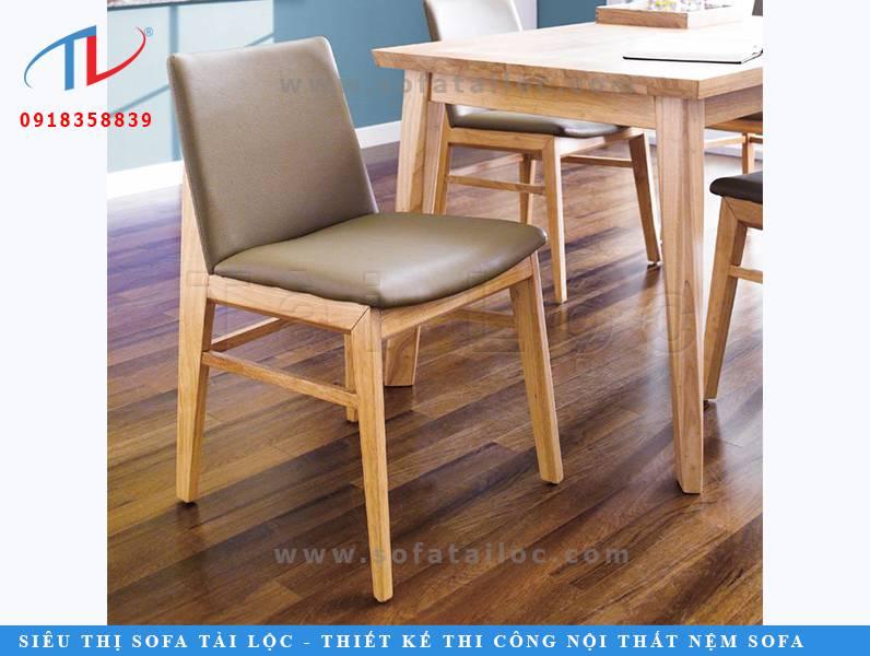 CF29 là mẫu bàn ghế cafe mini nhỏ gọn với phần nệm dựa êm mềm được bọc da màu xám hiện đại, sắc nét.