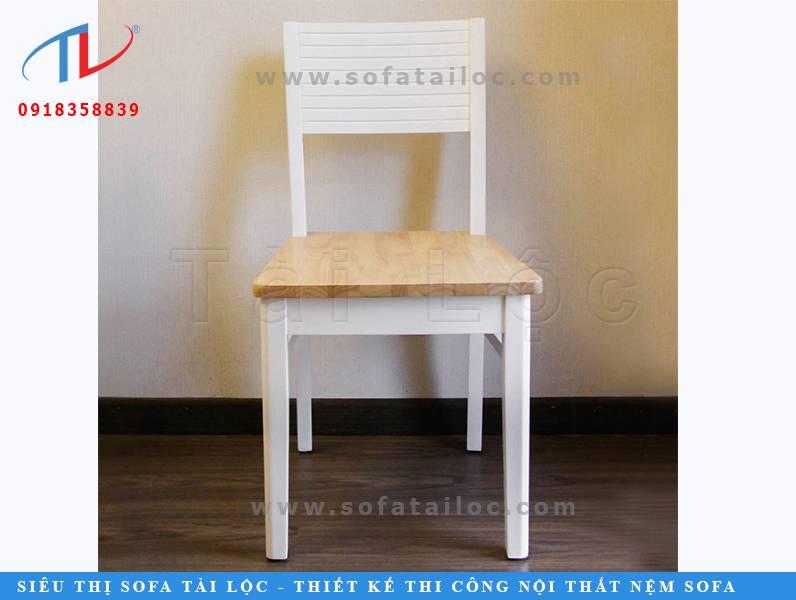 Mẫu bàn ghế cafe phòng lạnh màu trắng CF04 mang vóc dáng của những chiếc ghế truyền thống. Đơn giản và thanh lịch. Nhấn bằng phần chân và thân ghế màu trắng cực kỳ sang trọng.