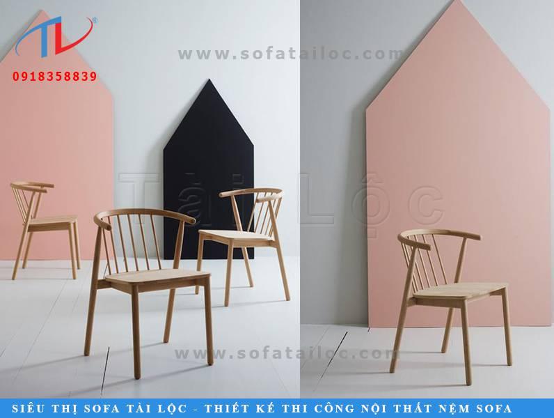 Mẫu bàn ghế cafe bằng gỗ cao su CF07 cũng rất thanh lịch với full thiết kế bằng gỗ tự nhiên có màu sắc tân thời. Phù hợp để tại quán cafe, trà sữa, quán ăn, nhà hàng,...