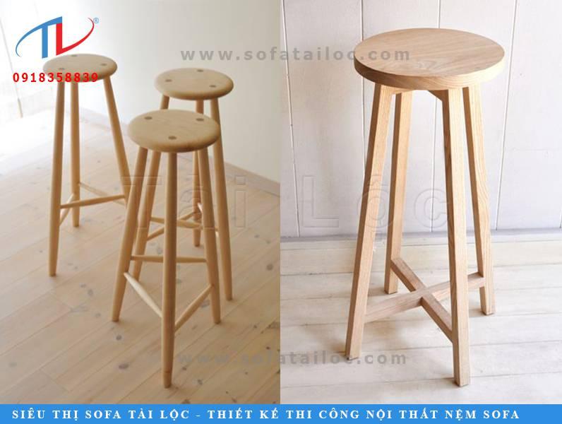 Những mẫu ghế cafe bằng gỗ sồi hay gỗ thông cũng rất thông dụng. Mẫu ghế chân cao CF08 và CF09 không chiếm quá nhiều diện tích. Thiết kế phù hợp cho những không gian quán cafe retro, hiện đại. Phù hợp phối cùng những chiếc bàn cao đặt tại cửa sổ hay quầy cao như quán bar