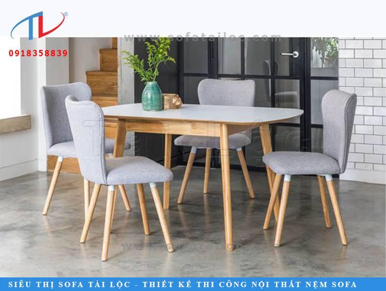 CF40 là mẫu ghế cafe chân gỗ bọc nệm được đặt hàng khá nhiều tại Tài Lộc. Với thiết kế gọn nhẹ tinh tế, nó phù hợp với phần lớn không gian quán kinh doanh café, trà sữa, sinh tố,...
