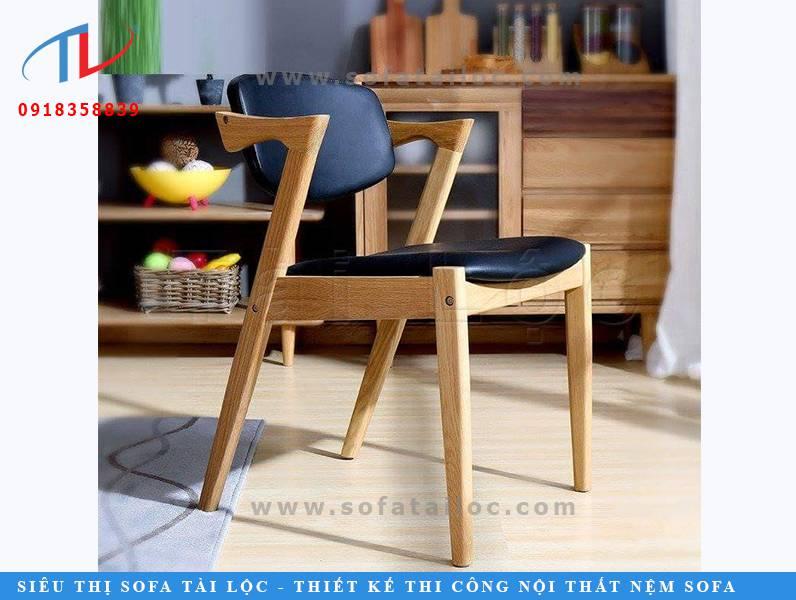 CF41 là mẫu ghế cafe độc đáo với thiết kế mạnh mẽ, chắc chắn và linh hoạt như một chú ngựa chiến quyền lực. Phần chân ghế và phàn khung được biến tấu từ chữ H đậm chất hiện đại và sang trọng