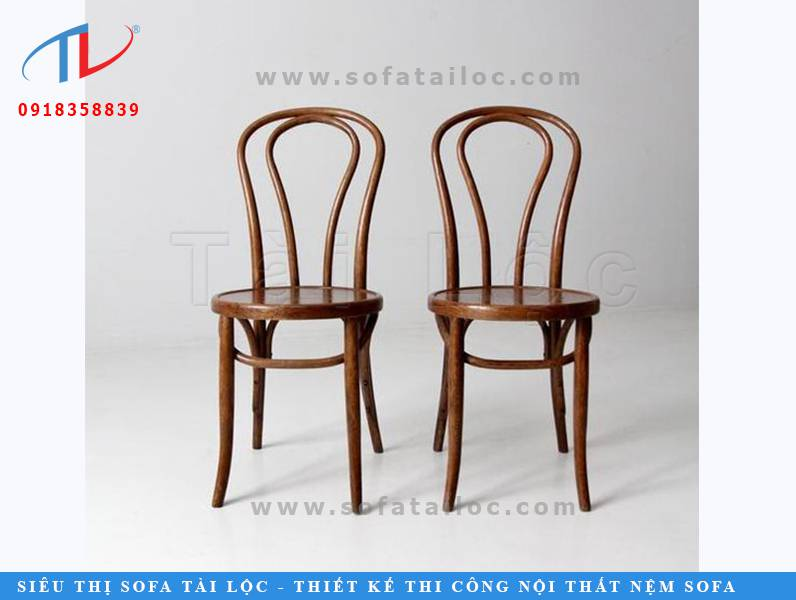 Những mẫu ghế cafe gỗ có kiểu dáng lạ như CF11 luôn có một chỗ đứng nhất định trong các bản vẽ thiết kế quán cafe độc đáo.