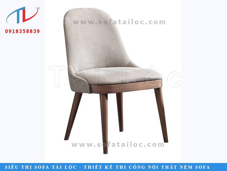 Mẫu ghế cafe gỗ nệm đẹp sang trọng CF43 không làm phần tay ghế mà chú trọng phần nệm ngồi sang chảnh. Thiết kế như một hình thang thu nhỏ với phần chân rộng và kéo nhỏ dần ở phần đầu.
