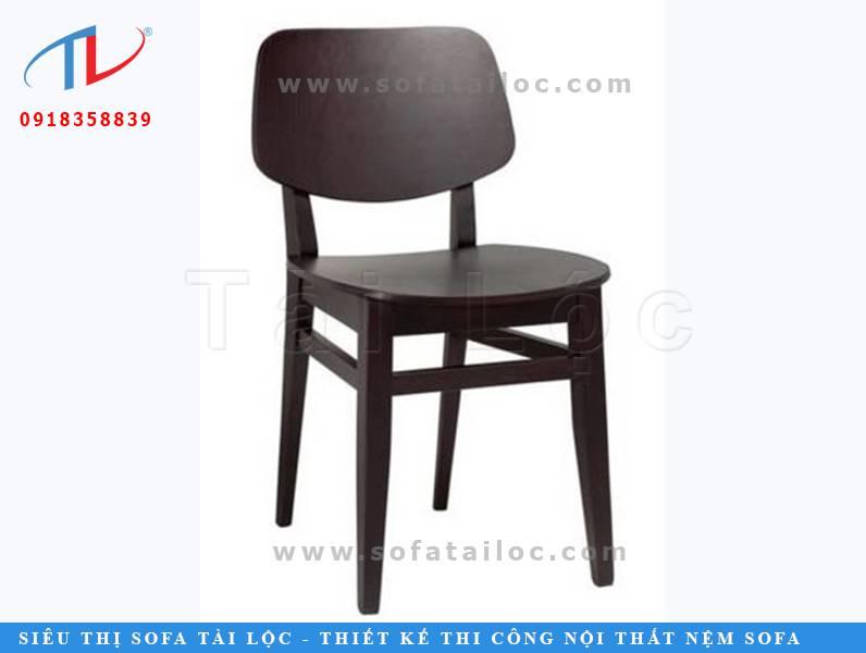 Mẫu ghế cafe lưng cong CF19 đầy quyền lực và quyến rũ với gam màu đen sang trọng. Thiết kế nhỏ gọn cũng giúp nó dễ dàng đặt ở nhiều không gian diện tích nhỏ