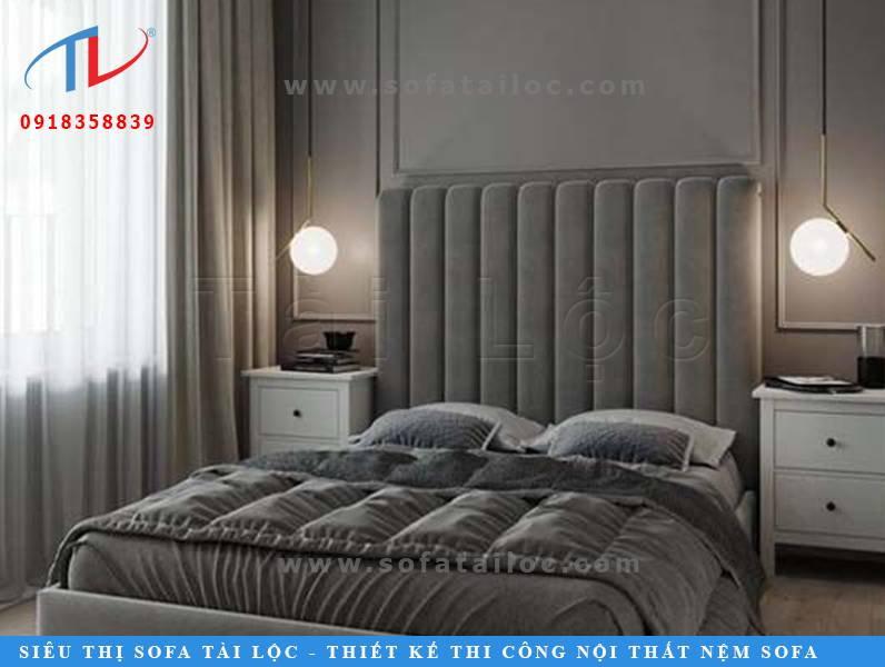 Miếng ốp vách tường bọc nỉ được nhiều người sử dụng để gắn vào khoảng trống đầu giường.