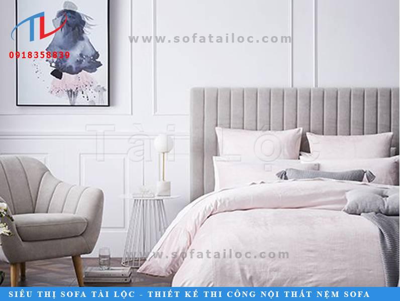Những mẫu vách nỉ có thể tận dụng làm ốp đầu giường êm ái và tinh tế.