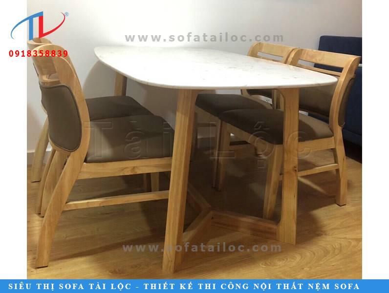Ghế gỗ café cao cấp thích hợp cho không gian sang trọng. Nó cũng có thể được tận dụng làm bàn ghế sofa ăn quán cafe. Một ý tưởng vô cùng hữu dụng và có ích cho các không gian quán cafe hiện nay
