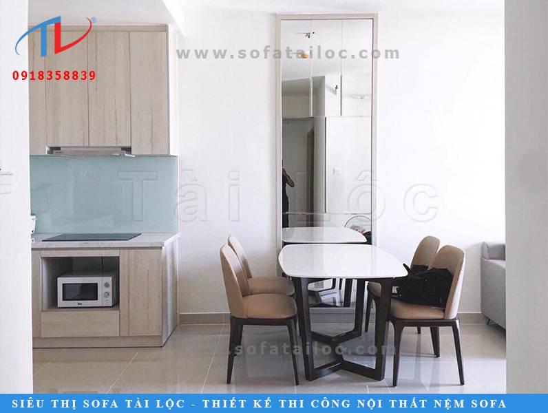 Ghế bàn ăn cafe, bàn ghế phòng ăn gia đình với màu sắc chủ đạo đen - trắng - nude tạo cảm giác nhẹ nhàng và thoải mái nhất. Nội thất này thích hợp với không gian có màu sơn tường trung tính nhẹ nhàng để mang lại sự hài hòa cho tổng thể căn phòng.