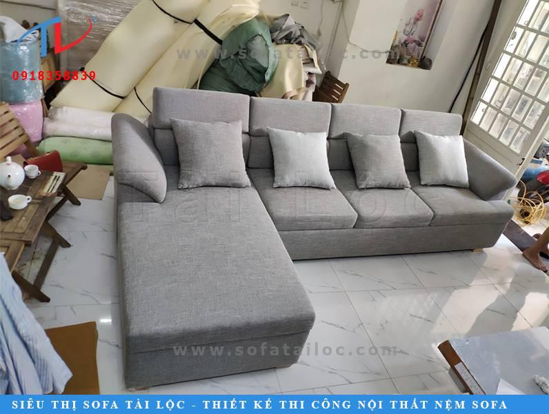 Tài Lộc là cơ sở đóng bàn ghế sofa theo yêu cầu chuyên nghiệp nhất thị trường.